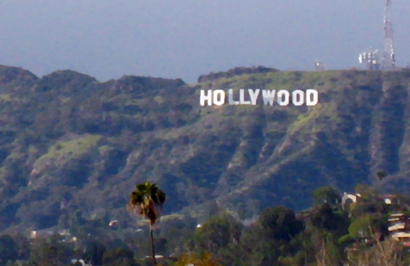Obligatory far-away Hollywood sign shot